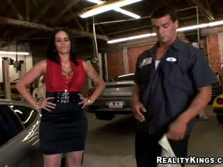Carmella Bing went to pick up her car mechanic