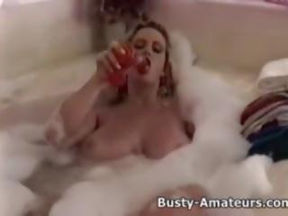 مفلس heather لعب لها كس في bathtub: حر الاباحية 5a