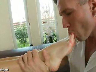 Aletta ocean enjoying fierbinte picior fetis sex