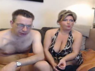 Caliente mamá y su boyfriend pt 2