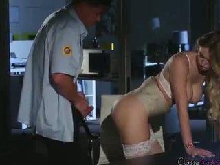 Bezpieczeństwo guard fucks accountant natalia starr w the biuro