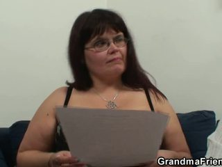 Giant Titted Slut Has Lured In 3some