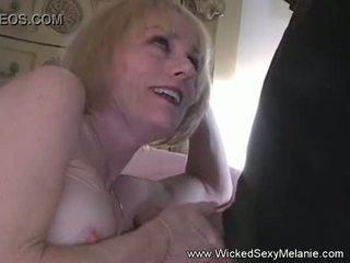 Massage turns đến blowjob