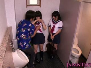 Tenger japans schoolgirls liefde threeway