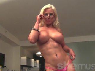 Muscular ブロンド megan avalon gets 裸, ポルノの 24
