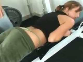 Loretta loren gets fucked na the tělocvična