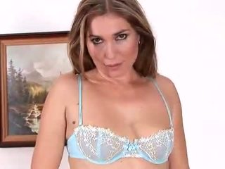 Evelina Marvellou is stunning