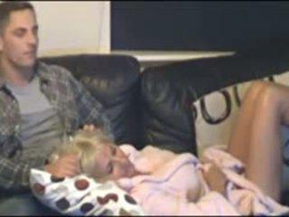 Ibu dan anak menangkap oleh tersembunyi cammera