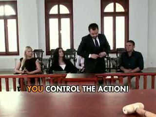 Lawyer leanna doce gives tudo para ganhar o caso.