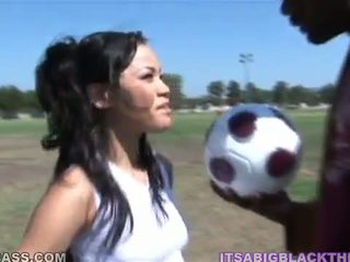 Sporty peach jayla starr having made love after sepakbola by oustanding ireng zonker