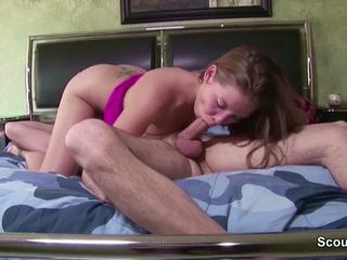 Daughter Seduce Not Step-daddy to Fuck in the Morning