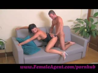 Femaleagent. cums a command