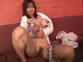Busty Brunette Masturbates with a Pink Dildo: Free Porn a9