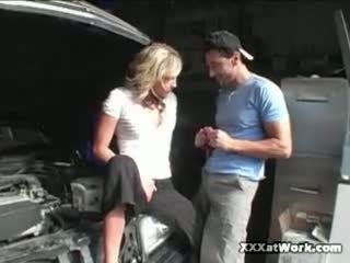 Receptionist kiara diane copulates mechanic