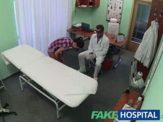 kibaszott, legmelegebb orvos névleges, kórház legtöbb