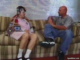 סבתא gets reamed על ידי צעיר אדם