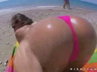 Amira adara insane public plaja distracție