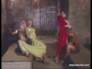 Cleare と jyulia, dp 乱交パーティー とともに ザ· gladiators で ザ· セル