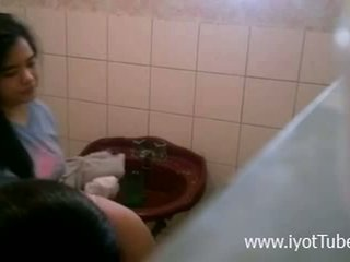 Lupet Ng Boso - Shower hidden cam