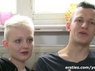 Echtes Paar zeigt wie sie Sex haben ! Gefilmt bei Ersties