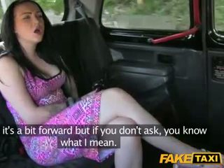 Taxi driver steals this girls money
