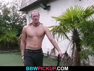Cock-hungry blonde pulpeux rides lui dur