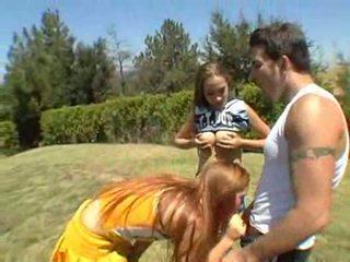 Jamie elle dan ashley are beberapa freaky bokong cheerleaders