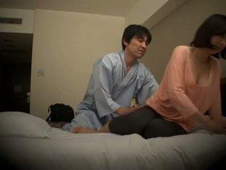 "Subtitled Japanese hotel massage oral sex nanpa in HD <span class=""duration"">- 5 min</span>"