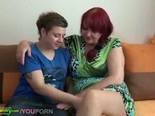 Lezbijke babi in najstnice s velika dildo