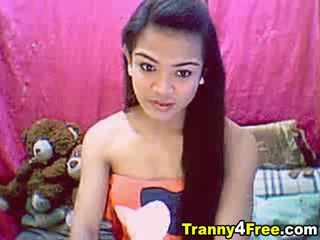 Watch this tranny with a long hard dick play