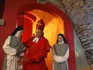 Priest teaches nuns wie bis fick mit spielzeug video