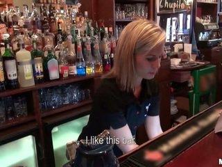 Quem querido para caralho um barmaid?
