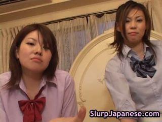 Japanisch frau tanzen gezwungen bis saugen schwanz porno klammer