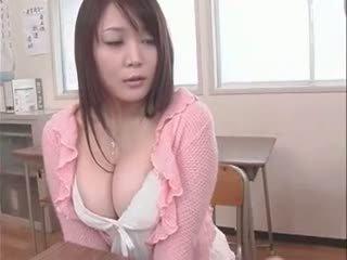 college, giapponese, grandi tette