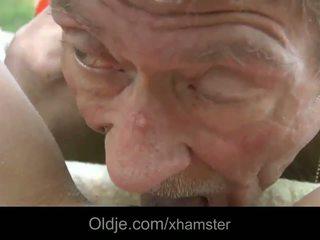 Scrawny velho homem does anal 21 sexy longhaired loira