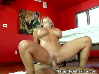 Cum thirsty amber lynn bach acquires a reward of cum after a nice hot round