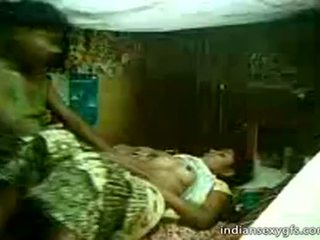 Desi pinsan sister sumakay sa brother sa bahay alone - indiansexygfs.com
