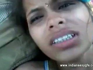 Orissa इंडियन गर्लफ्रेंड गड़बड़ द्वारा boyfriend में फोरेस्ट साथ audio