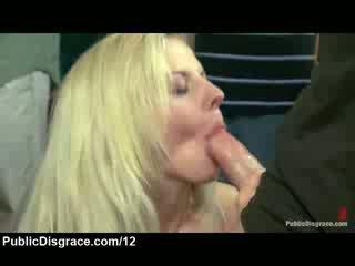 طبيعي كبير titty بلوندي مارس الجنس و متلمس في تجمع hall