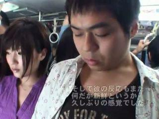 Público bj onto o autocarro em torno de quente japonesa milf.