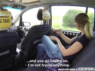 捷克语 taxi - 金发 青少年 gets 骑 的 她的 生活