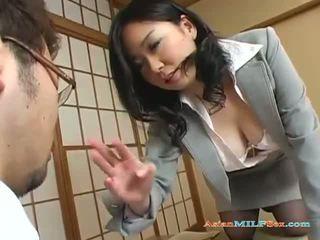 Aziatike Gjoksmadhe