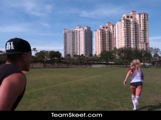 Therealworkout 脏 金发 addison avery 做 爱 后 football 训练