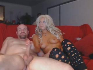 kuuma blondi imaista valtava kukko syvän sisään hänen throat: vapaa porno 9a
