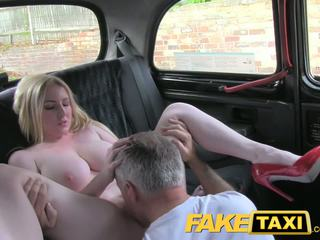 réalité, gros seins, taxi