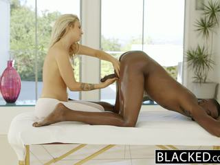 Blacked 아름다운 금발의 karla kush loves massaging bbc