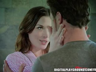 Stoya rewards james dean avec une playful baise