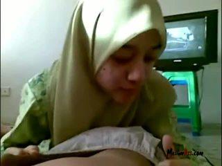 Hijab tini szopás golyók