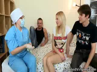 Losing тя virginity е an удивителни събитие и natali wants към правя на най-много на то.