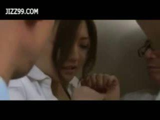 Beauty ofisas ponia bukkake čiulpimas į elevator